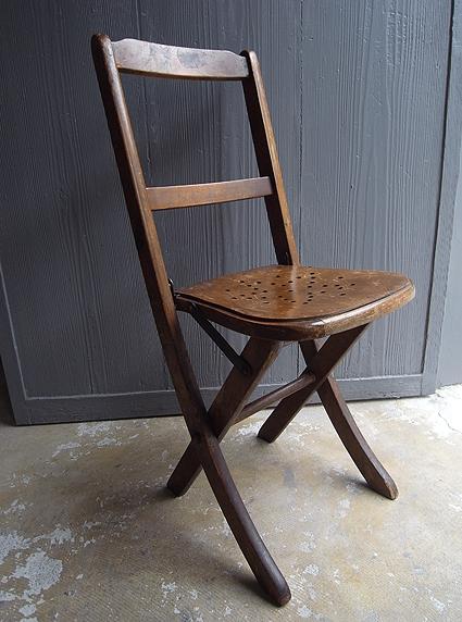 折りたたみ椅子_e0111789_09553577.jpg