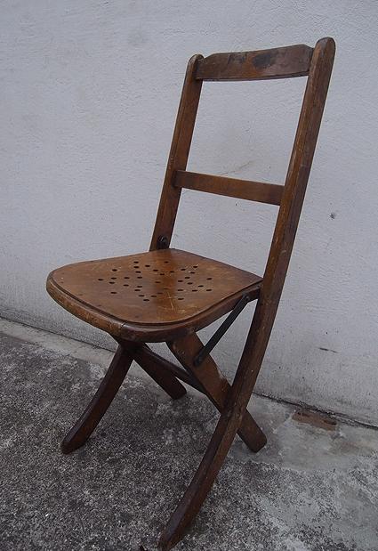 折りたたみ椅子_e0111789_09553666.jpg