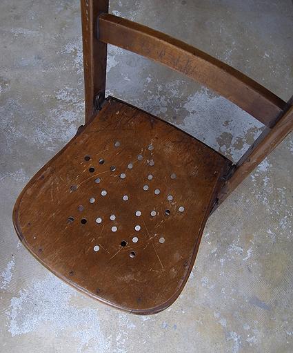 折りたたみ椅子_e0111789_10094645.jpg