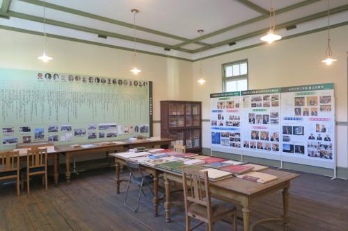 重文本館の100周年記念室整備_c0075701_18244896.jpg