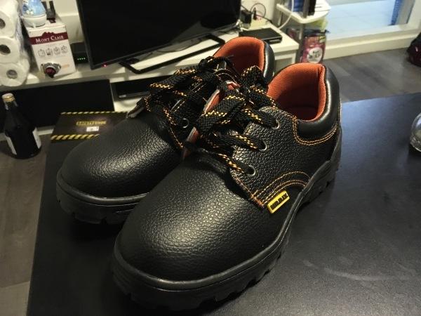 安全靴を履きつぶしました_b0100062_13175983.jpg
