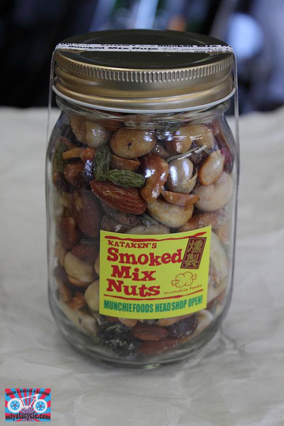 『 Smoked Mix Nuts 』取り扱いスタート_e0126901_07514922.jpg