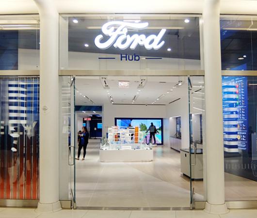 NYに自動車を売らないフォードのお店が史上初オープン?! FordHub NYC_b0007805_338289.jpg