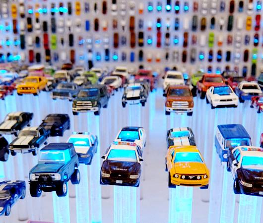 NYに自動車を売らないフォードのお店が史上初オープン?! FordHub NYC_b0007805_3494723.jpg