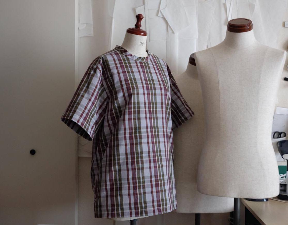 holo shirts._d0210537_11063419.jpg