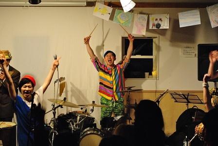 5月のパル教室は音楽がいっぱい♪_a0239665_12085221.jpg