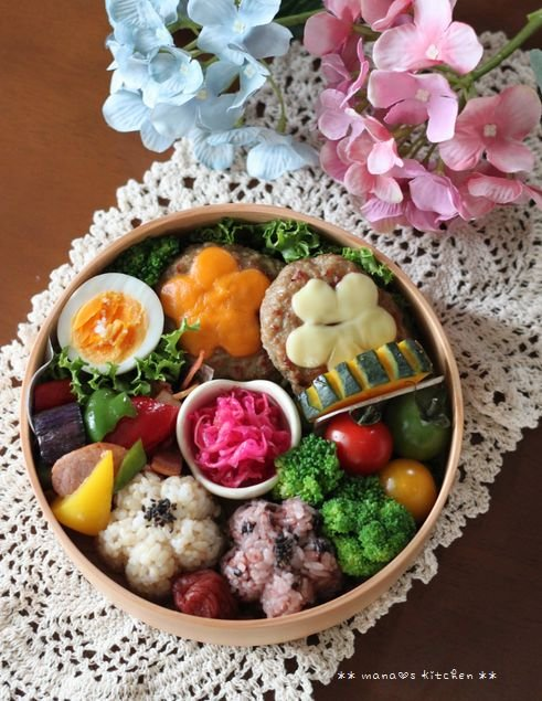 チーズハンバーグ弁 ✿ 初めて食べるつけ麺(๑¯﹃¯๑)♪_c0139375_10505422.jpg