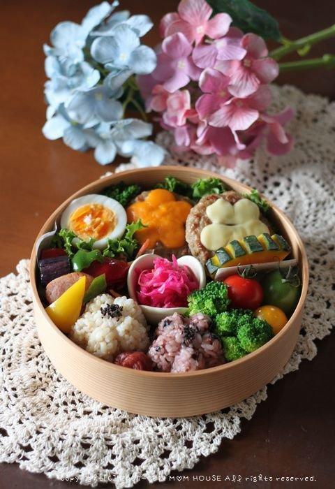 チーズハンバーグ弁 ✿ 初めて食べるつけ麺(๑¯﹃¯๑)♪_c0139375_1050853.jpg