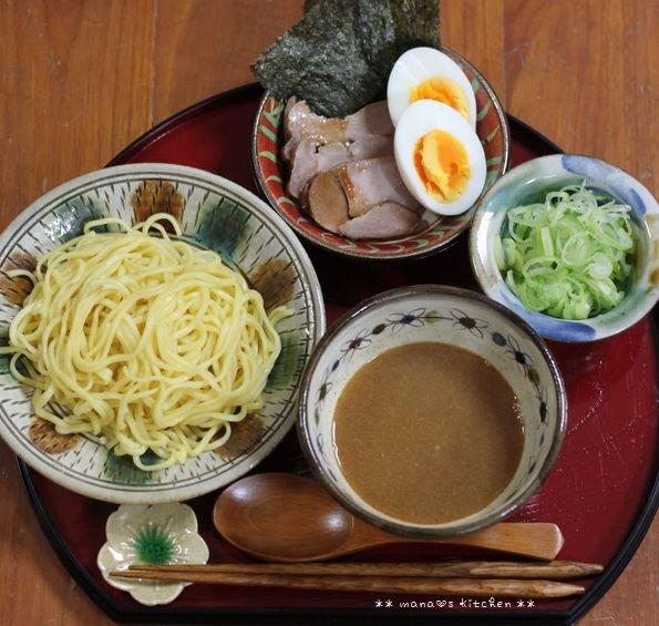 チーズハンバーグ弁 ✿ 初めて食べるつけ麺(๑¯﹃¯๑)♪_c0139375_1051552.jpg