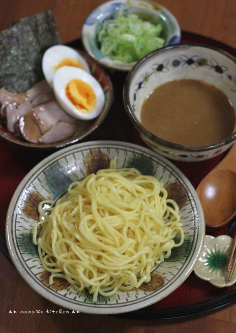 チーズハンバーグ弁 ✿ 初めて食べるつけ麺(๑¯﹃¯๑)♪_c0139375_1051894.jpg