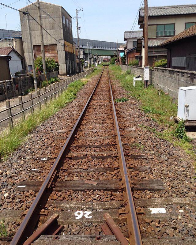 古い線路を眺めていると落ち着くというか妙に昂ぶります。_a0334793_01195515.jpg