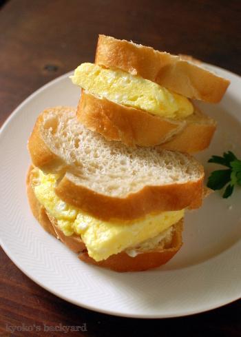 ふわふわオムレツのサンドイッチ(とハンターキャット)_b0253205_04471490.jpg