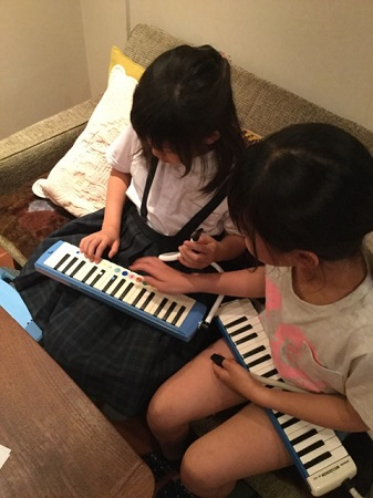 R・ピアノ教室 2017.5.21「水上の音楽②」_b0169513_8243442.jpg
