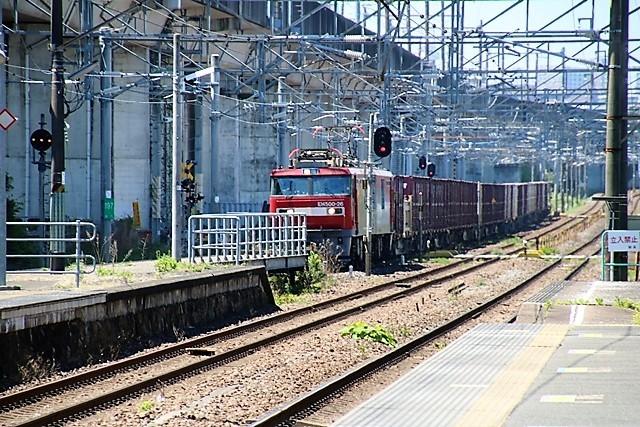 藤田八束の鉄道写真@東北本線東仙台駅にて貨物列車の写真を撮りました・・・爽やかな仙台は最高の季節到来_d0181492_14015989.jpg