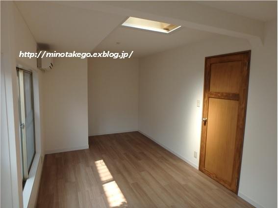 在庫品でもラッキーな選択 ~女子部屋の床材~_e0343145_11303269.jpg