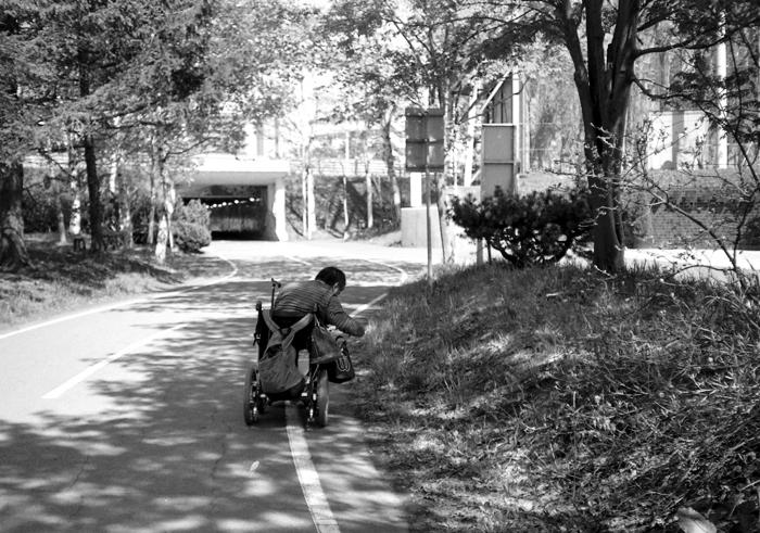 トングを持った車椅子と公開講座プラン_c0182775_17355120.jpg