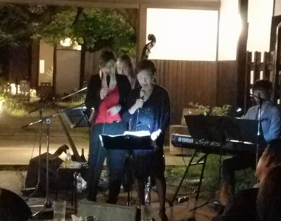 昨日の「井手麻理子20周年ディナーショー」の打ち上げを南青山のきばいやんせで開催。_c0186691_15401113.jpg