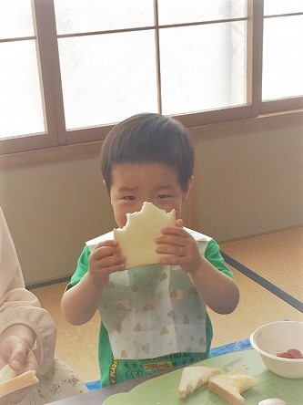 親子で一緒にサンドイッチを作ろう!:5月23日火曜日_b0079382_14472420.jpg