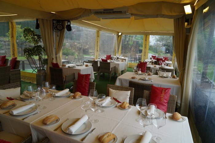 2017年GW スペインバスク地方、ワイナリーと バル巡りの旅 その4 ビルバオを一望できるレストランで_a0223786_13285396.jpg