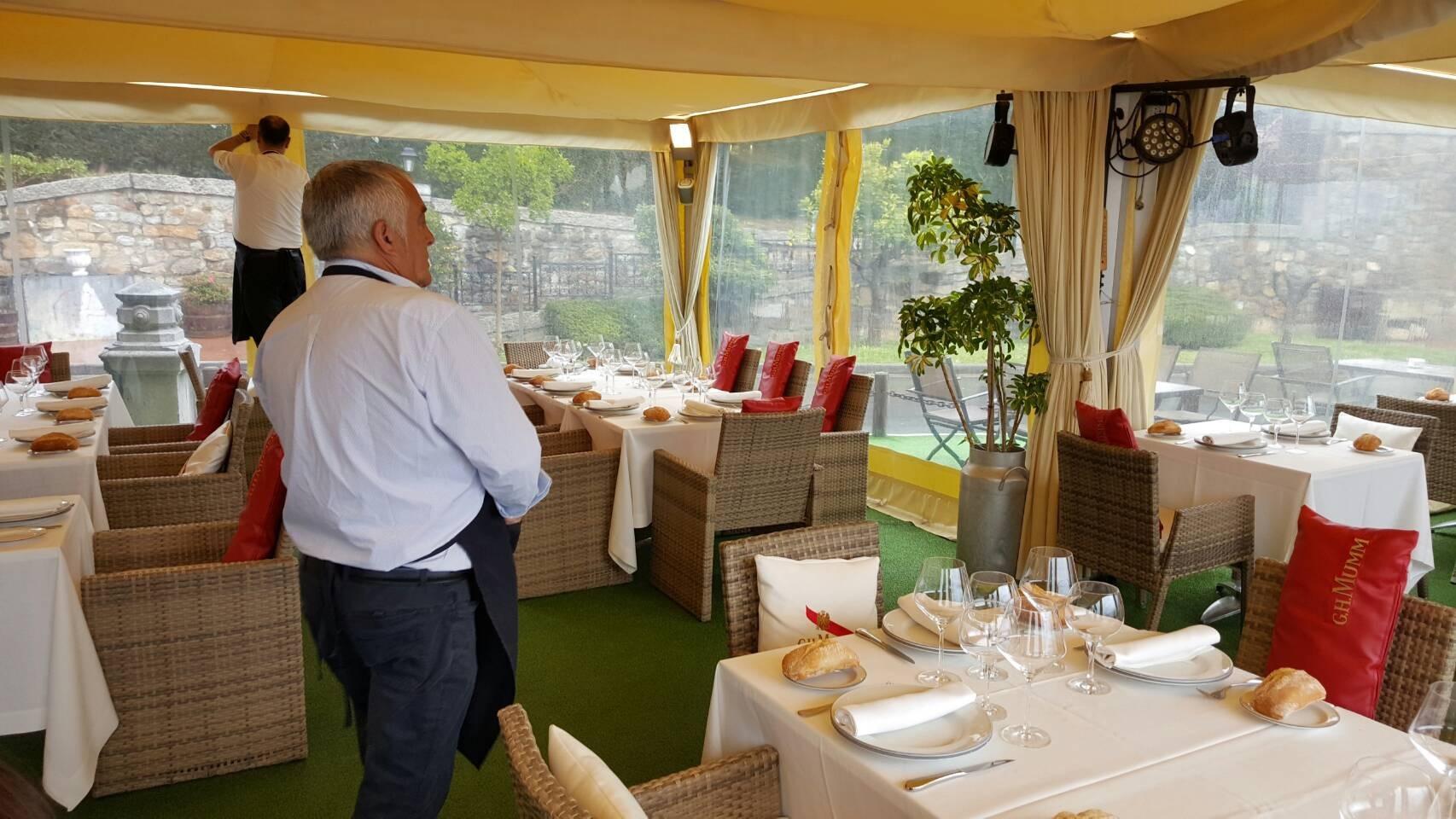2017年GW スペインバスク地方、ワイナリーと バル巡りの旅 その4 ビルバオを一望できるレストランで_a0223786_13292781.jpg