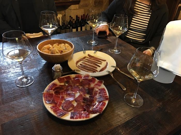 2017年GW スペインバスク地方、ワイナリーと バル巡りの旅 その4 ビルバオを一望できるレストランで_a0223786_13300565.jpg