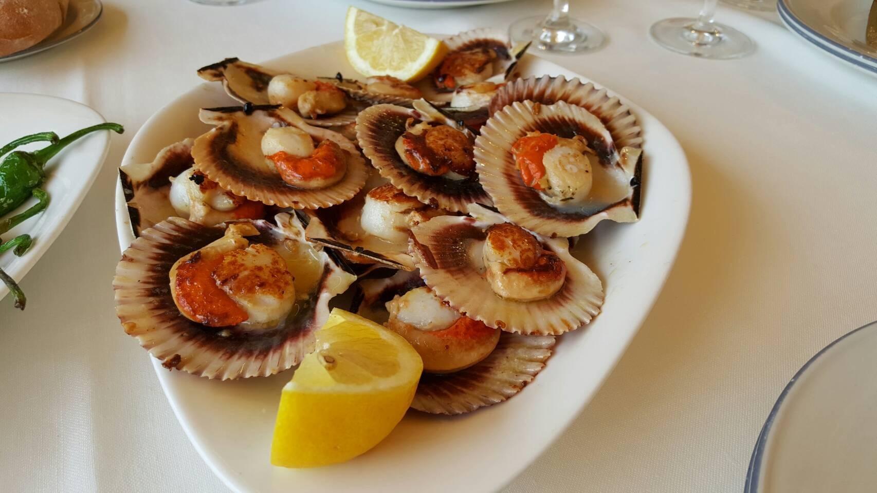 2017年GW スペインバスク地方、ワイナリーと バル巡りの旅 その4 ビルバオを一望できるレストランで_a0223786_13323083.jpg