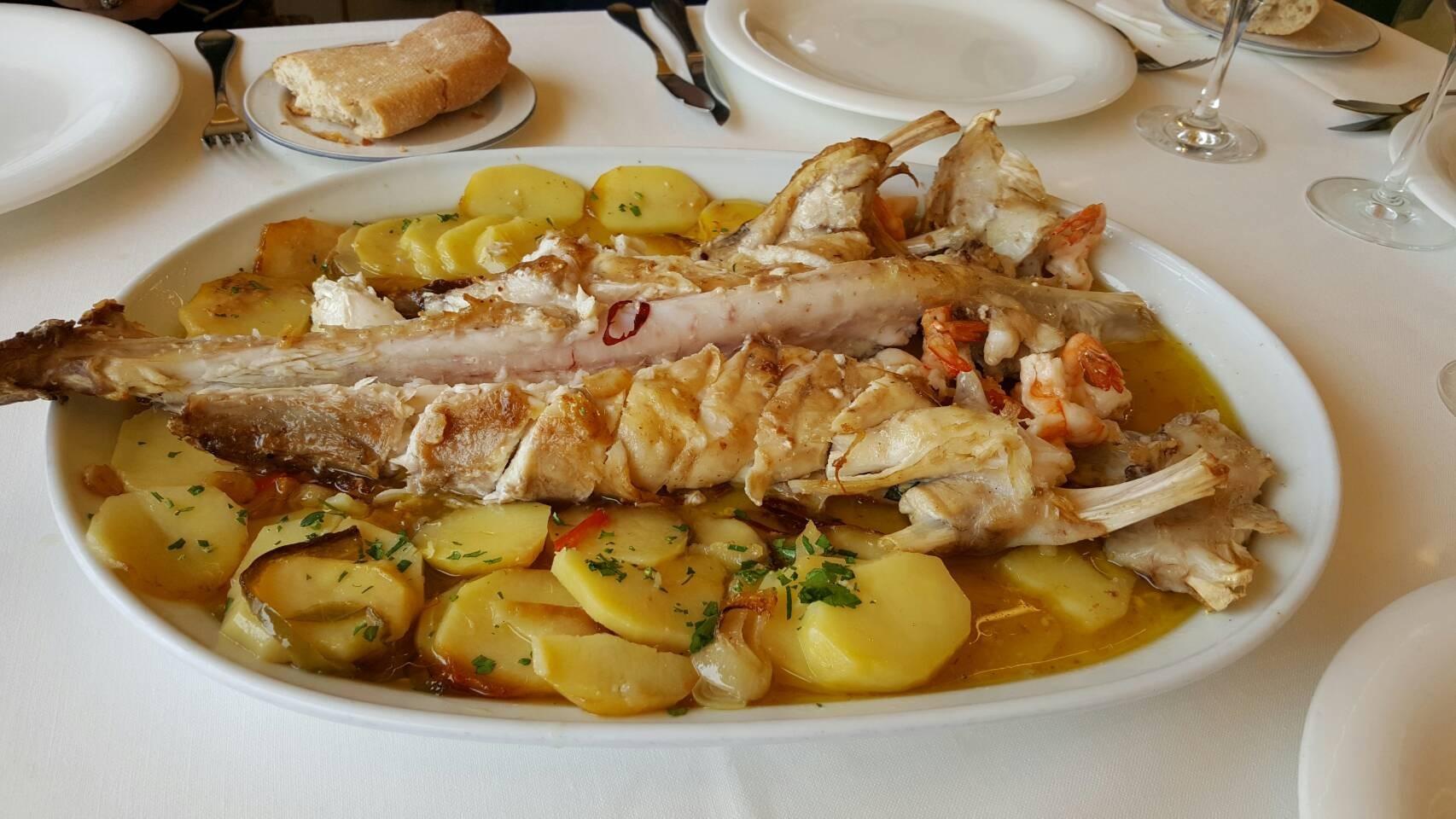 2017年GW スペインバスク地方、ワイナリーと バル巡りの旅 その4 ビルバオを一望できるレストランで_a0223786_13324048.jpg