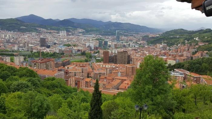 2017年GW スペインバスク地方、ワイナリーと バル巡りの旅 その4 ビルバオを一望できるレストランで_a0223786_13325176.jpg