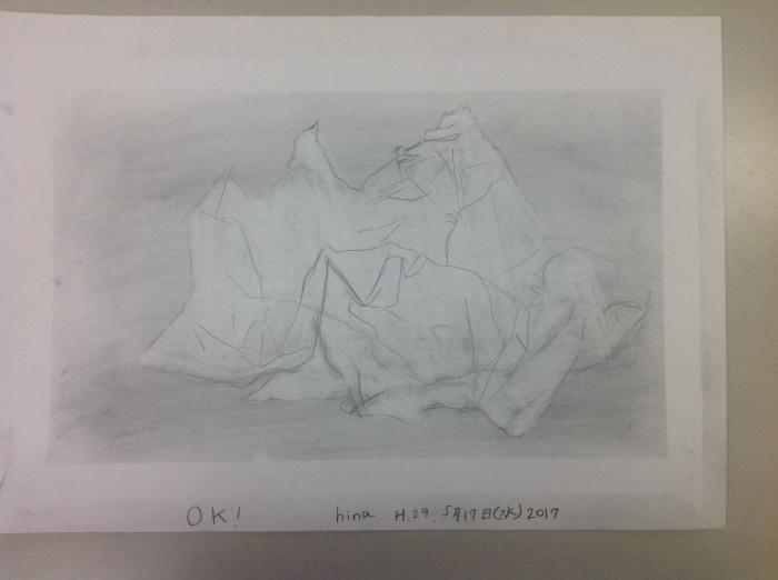子供の作品 ティシュのシワを描く_c0100195_11271701.jpg