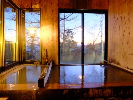 野天風呂の時間が長くなりました_e0120896_07323772.jpg