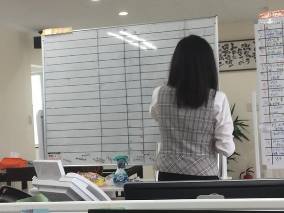 5月24日 水曜日にひとログヽ( 'ω' )ノ ランクル・アルファード・ハイエース多数取り揃え☆_b0127002_18125091.jpg