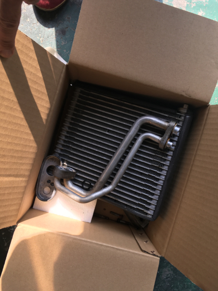 エルグランドエアコン修理 リアエバポレーター交換_e0169210_17091615.jpg