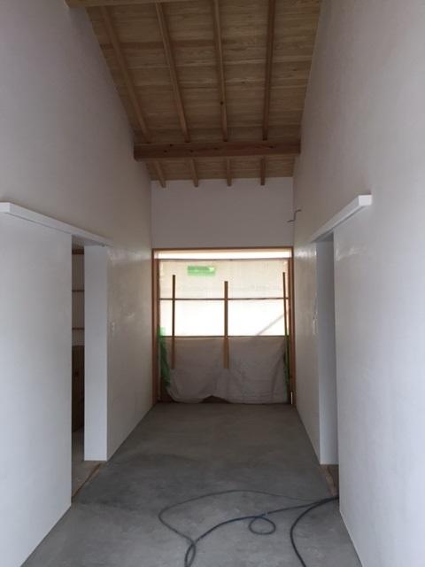 そらくの小屋・白い壁_a0156611_15251335.jpg