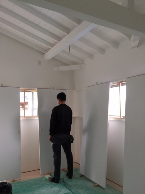 そらくの小屋・白い壁_a0156611_1527745.jpg