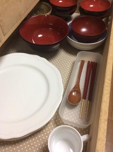 どんなお皿なら1枚で無駄なく使えるのか?断捨離するためのお皿選び。_a0188838_16042149.jpg