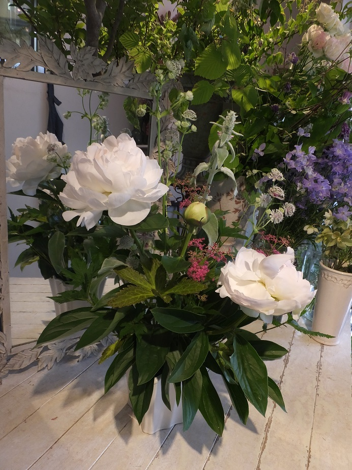 オークリーフ花の教室(赤地さんと宮原さんの作品)_f0049672_18035587.jpg