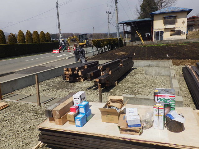 木造ガレージを造る  続き_f0105112_4172115.jpg