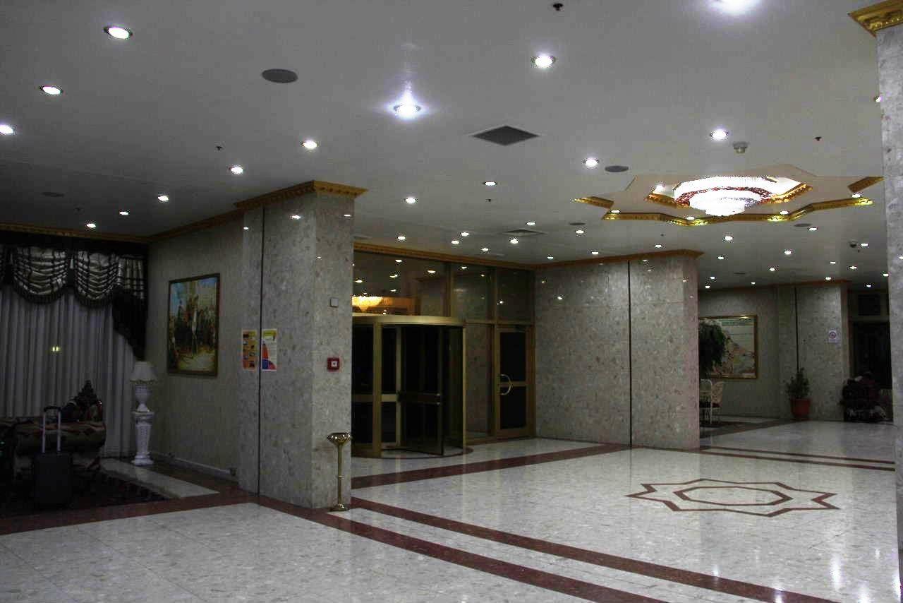 トルクメニスタンの旅(13) アシハバードの夜景と夕食とホテル_c0011649_23501002.jpg