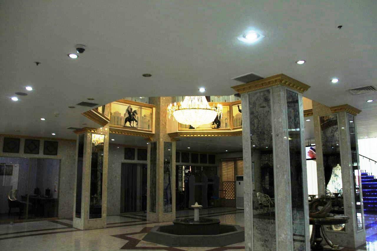 トルクメニスタンの旅(13) アシハバードの夜景と夕食とホテル_c0011649_23502585.jpg