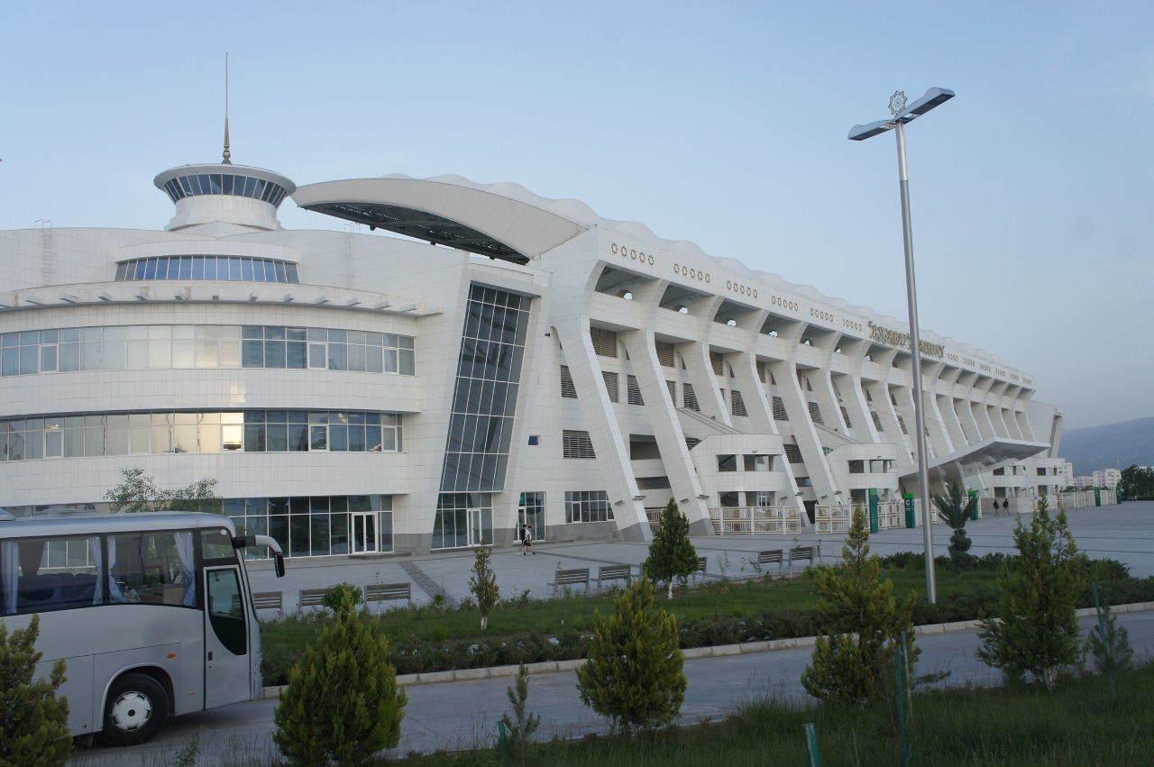 トルクメニスタンの旅(13) アシハバードの夜景と夕食とホテル_c0011649_23563991.jpg