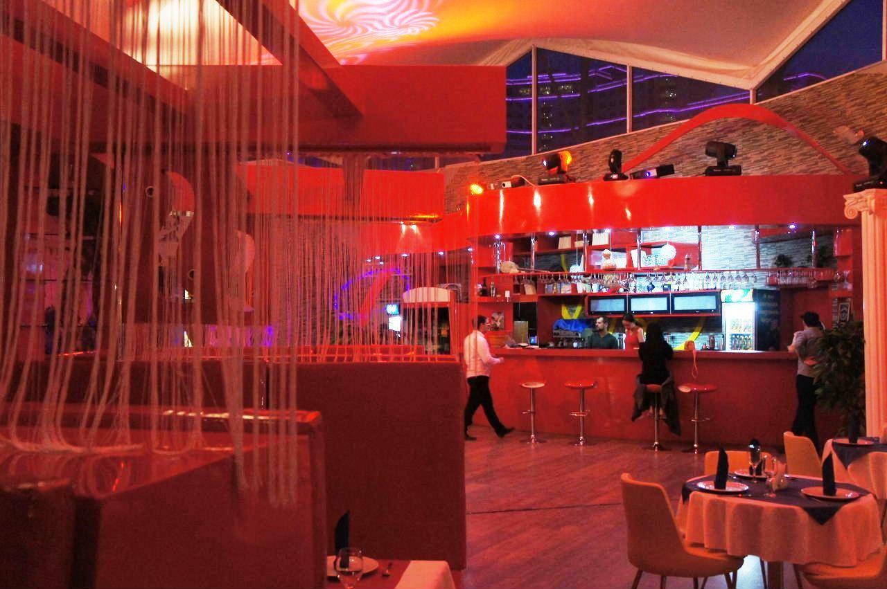 トルクメニスタンの旅(13) アシハバードの夜景と夕食とホテル_c0011649_23574542.jpg