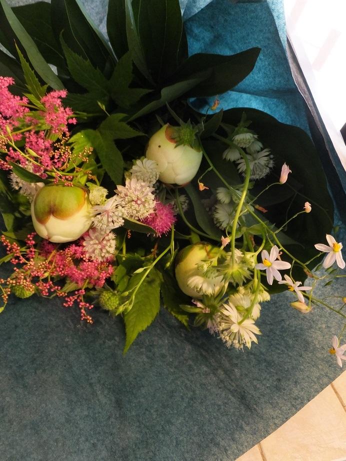 オークリーフ花の教室(落合さんの作品)_f0049672_17335830.jpg