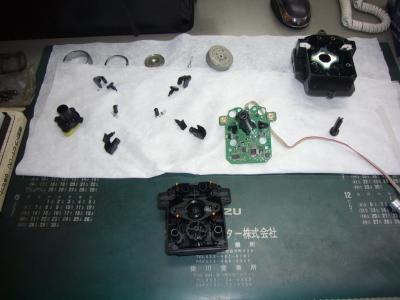 メルセデスベンツ E350(W212)ナビ コマンドコントローラ修理_c0267693_10241011.jpg