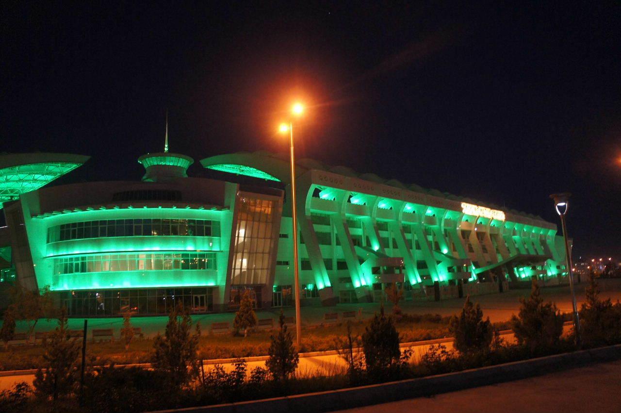 トルクメニスタンの旅(13) アシハバードの夜景と夕食とホテル_c0011649_01014169.jpg