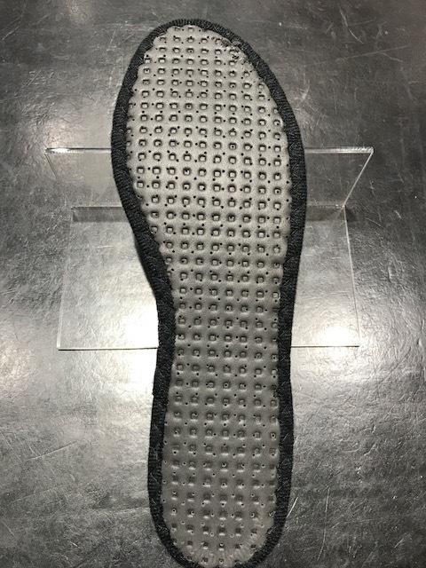 中から、靴を守る_f0374162_18492206.jpg