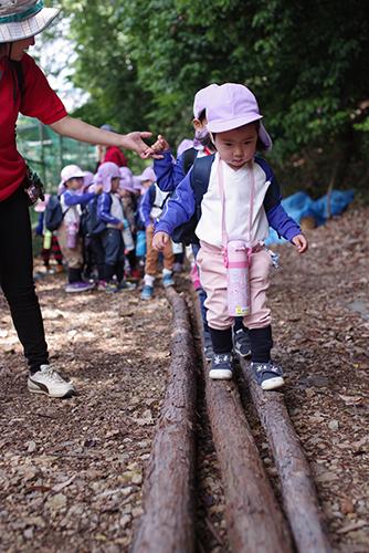 年少組遠足ーもも組・ふじ組ー 〜森のおさなご広場〜 終 - 陽だまりの小窓 - 菊の花幼稚園保育のようす