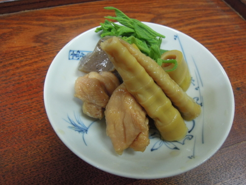 姫竹、こんにゃく、鶏肉、焚き合わせ うどの葉_e0116211_11533250.jpg
