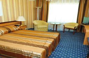 トルクメニスタンの旅(13) アシハバードの夜景と夕食とホテル_c0011649_14260885.jpg