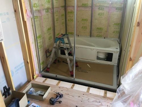 「キッチンが主役の家」_b0112351_14353045.jpg