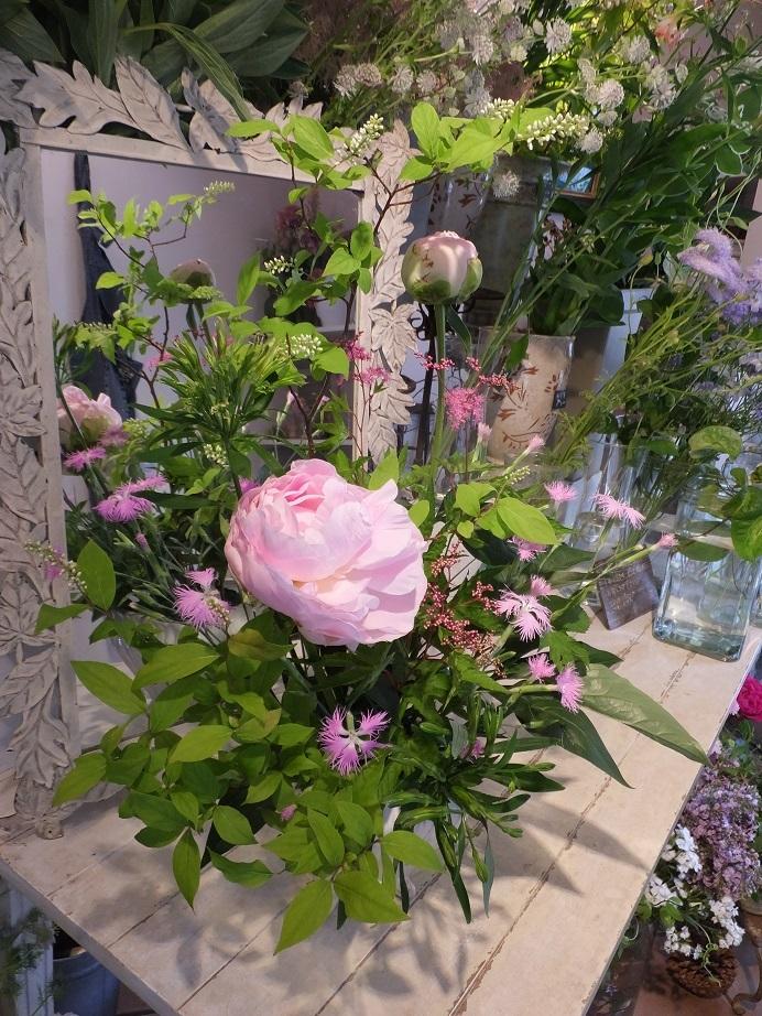 オークリーフ花の教室(山田さんの作品)_f0049672_18531581.jpg